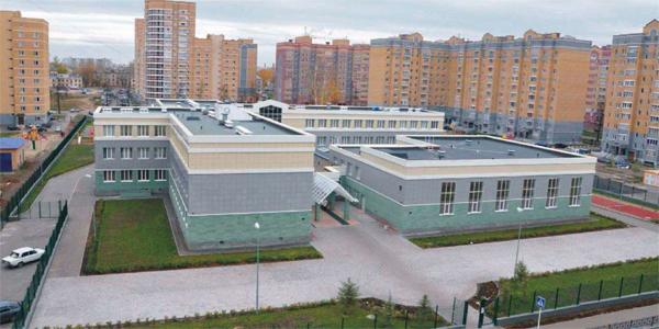 Школа с бассейном в Авиастроительном районе г. Казани